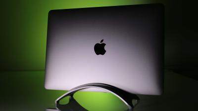 Apple MacBook Pro 2016 e 2017, tanti accessori e tanti dubbi.