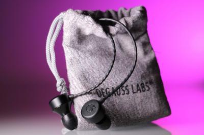 Cuffie Degauss Labs Noir, perché acquistarle?  Per tanti motivi, tutti validi.